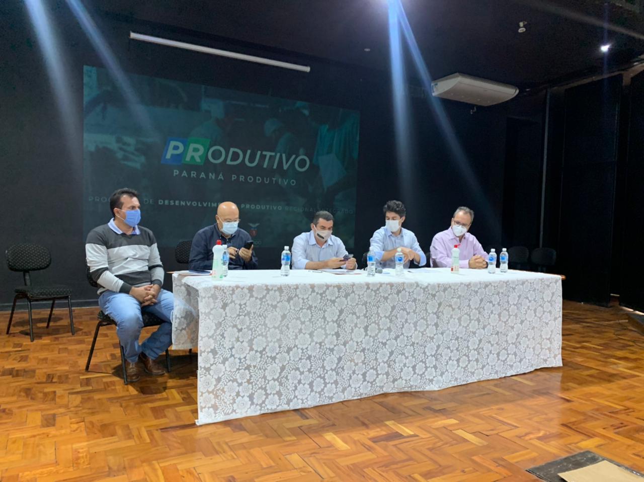 Governo discute em Cornélio novo plano de desenvolvimento dos municípios