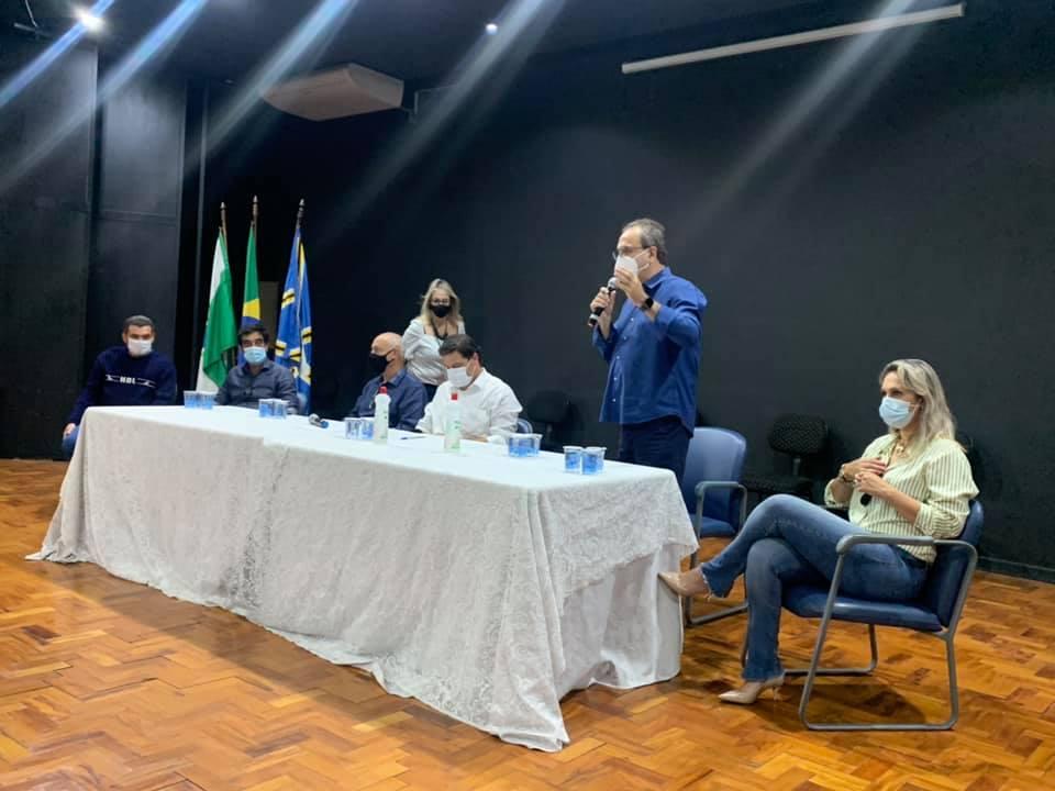 Sandro Alex é recebido em Cornélio Procópio e anuncia novo sistema de pedágio para o Paraná.
