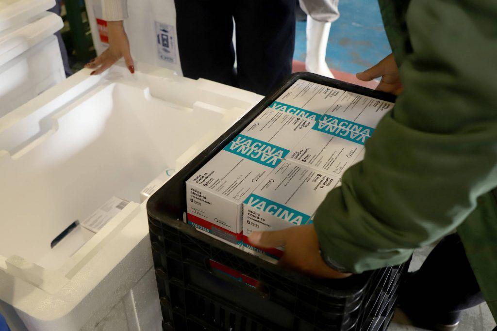 18ª RS recebe lote regional das 309,2 mil doses de vacinas contra Covid liberadas ao Paraná