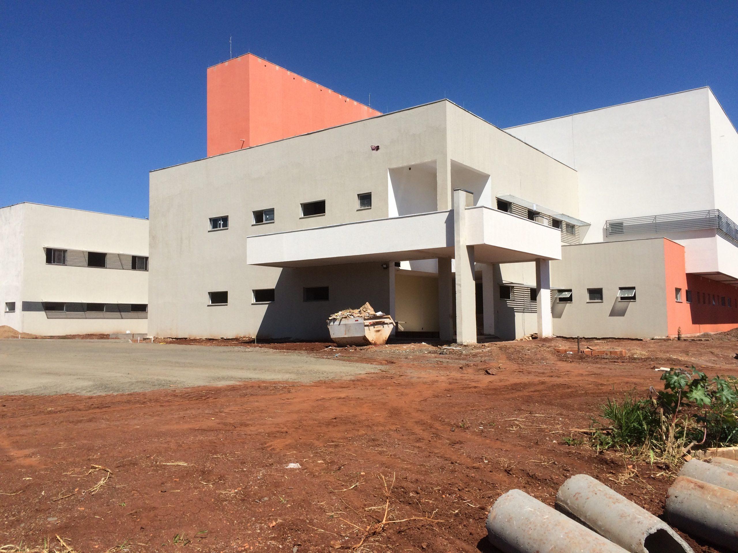 Hospital Regional: Amin e Romanelli vistam Beto Preto em agenda de trabalho